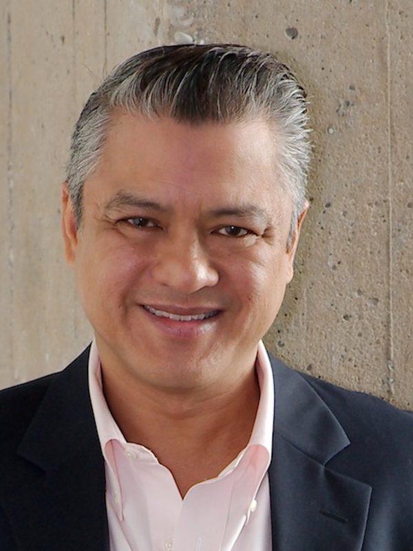 Cesar Conde picture 6712