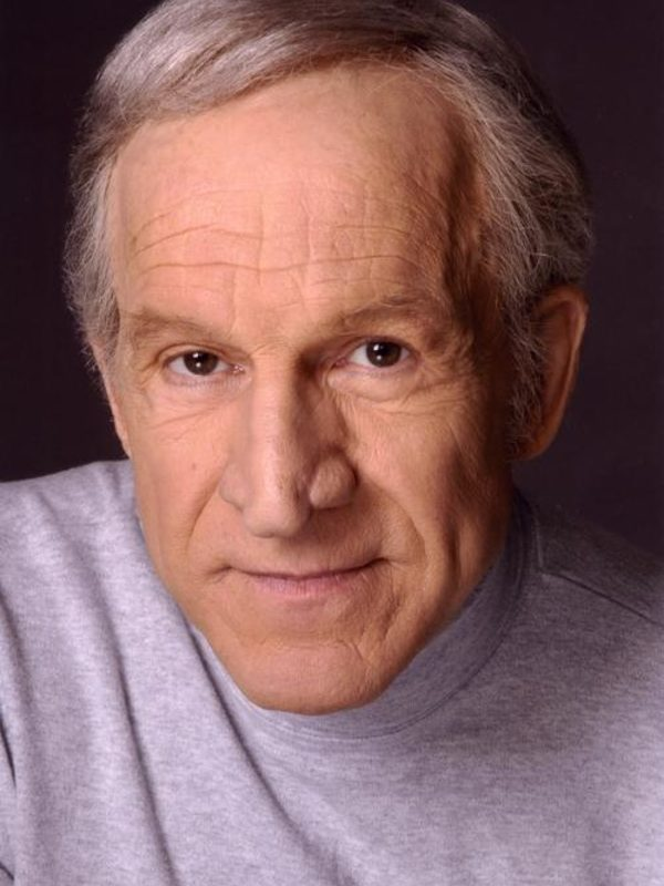 Daniel J Travanti picture 13959