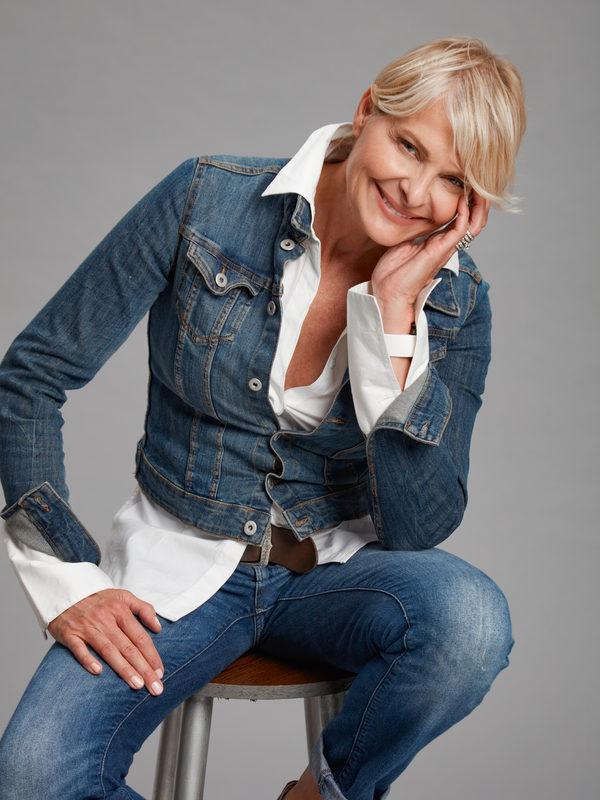 Loretta Wilger picture 308303
