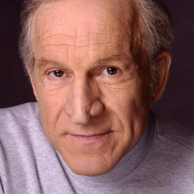 Daniel J Travanti